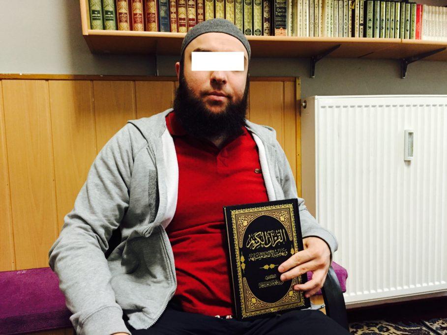 Der Imam A. im Sommer 2015 in der Fussilet-Moschee