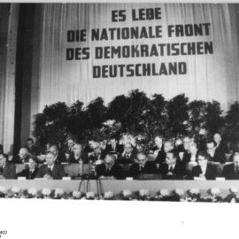 Historisches Unrecht: Die SED und die Blockparteien hätten 1990 verboten werden müssen