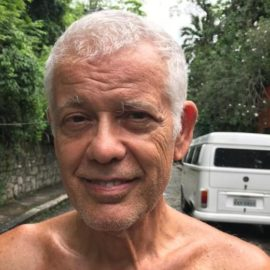 Alvaro Augusto (73) liebt Bolsonaro nicht – und hat ihn trotzdem gewählt (Foto: Til Biermann)