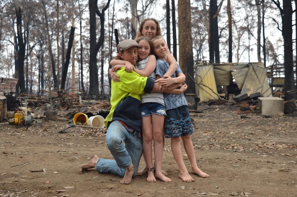Worzil (37) mit Frau Naomi (35) und seinen Kindern Xanthe (10) und Pheonix (12)